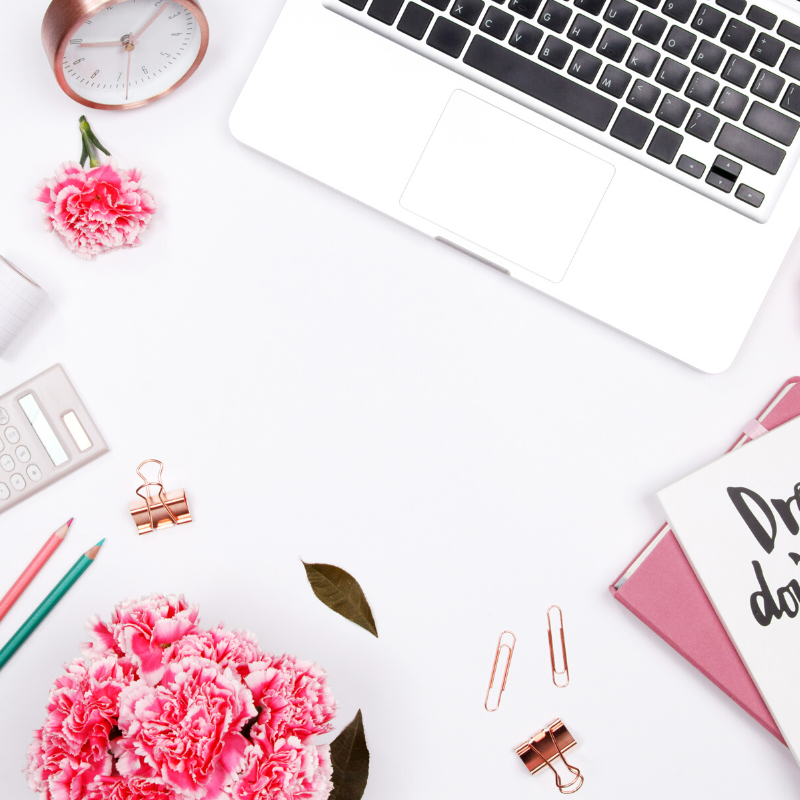 Passive income has been game-changing for my business! But to efficiently create and sell digital products, I needed the RIGHT tools-- here are my must haves that any blogger needs to know about!